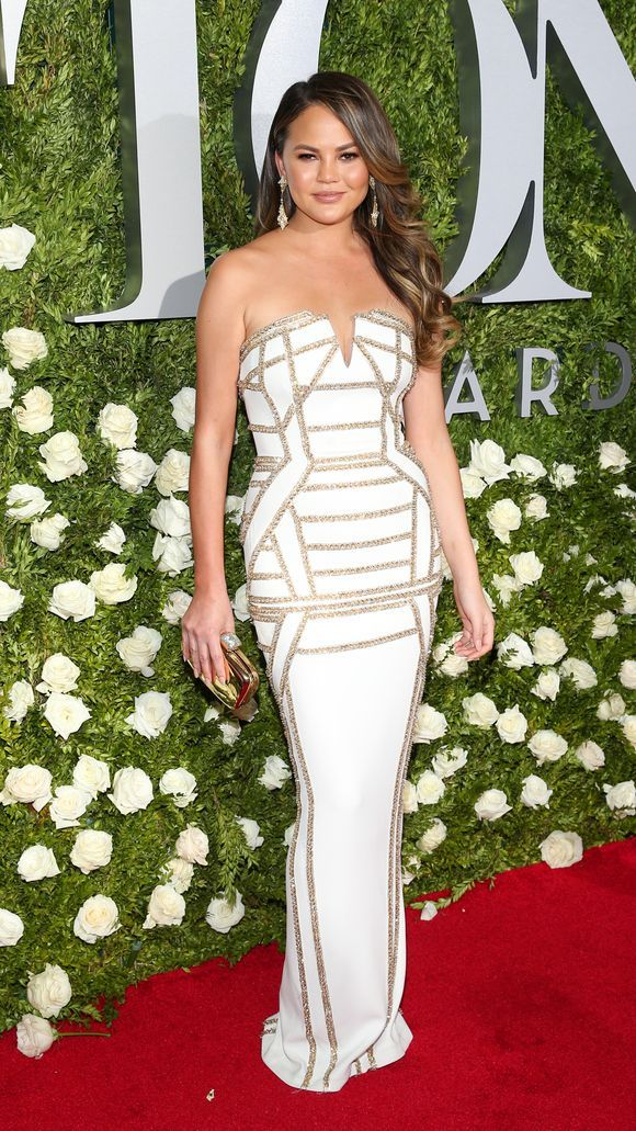 tonyawards2017_chrissy-teigen